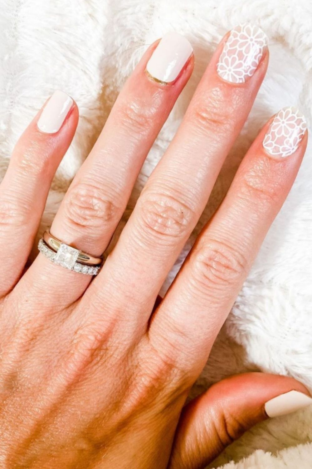 Gentle Short White Nails For You To Go Occasion!