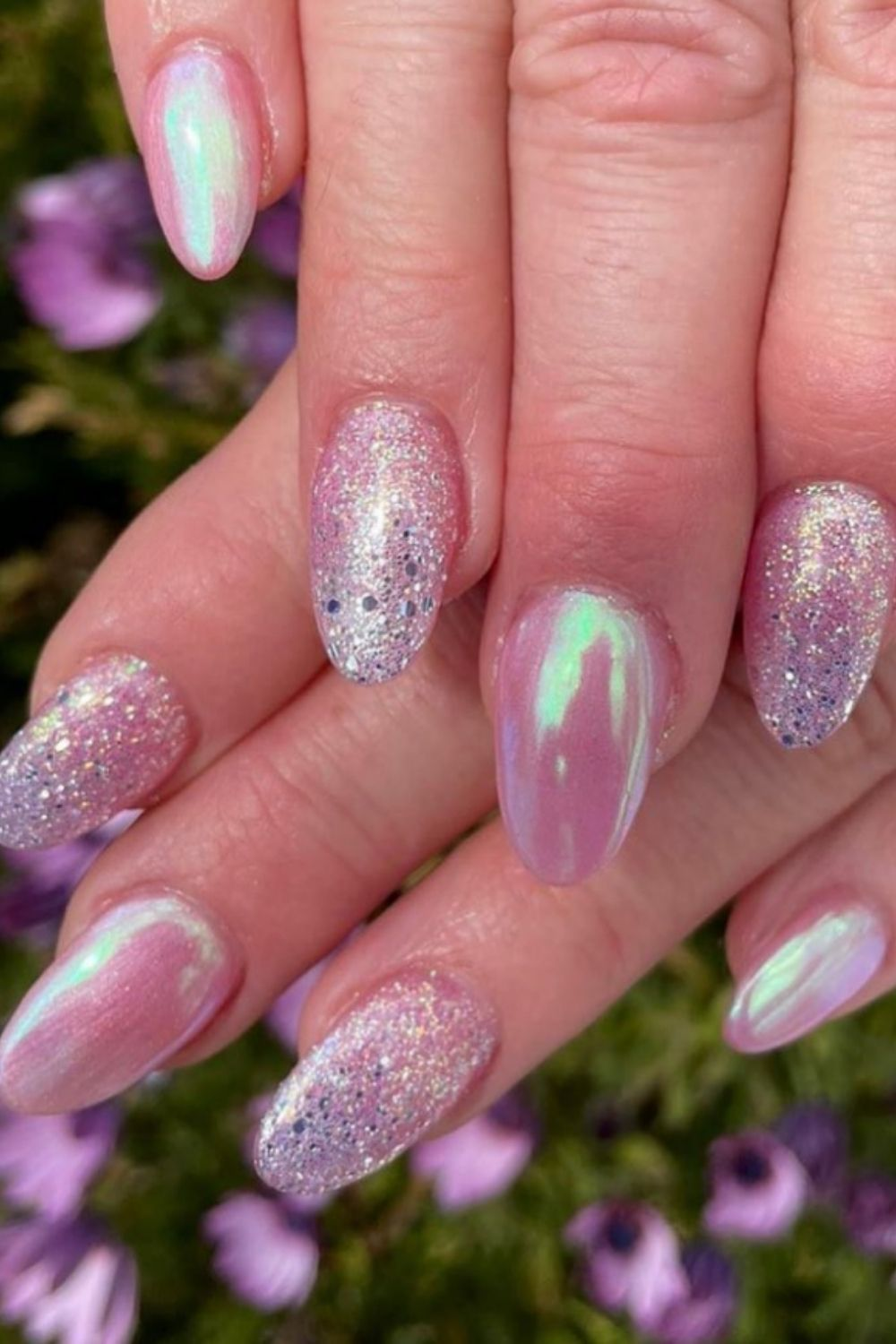 Holographic nails design for your summer holiday 2021