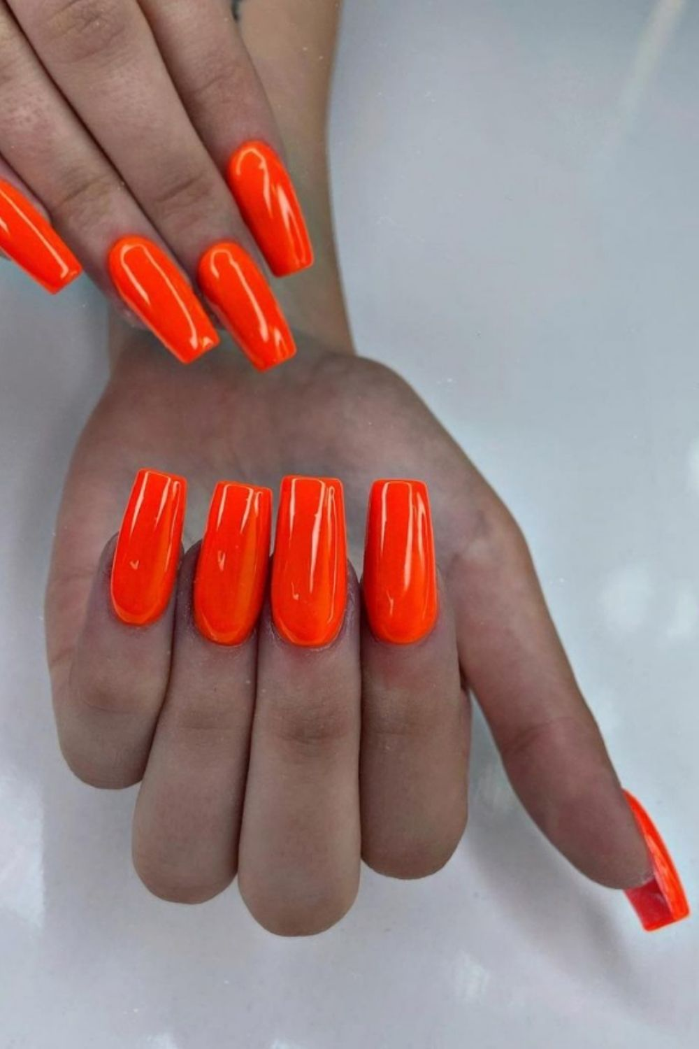 Bright summer acrylic nails for you to try in the summer vacation