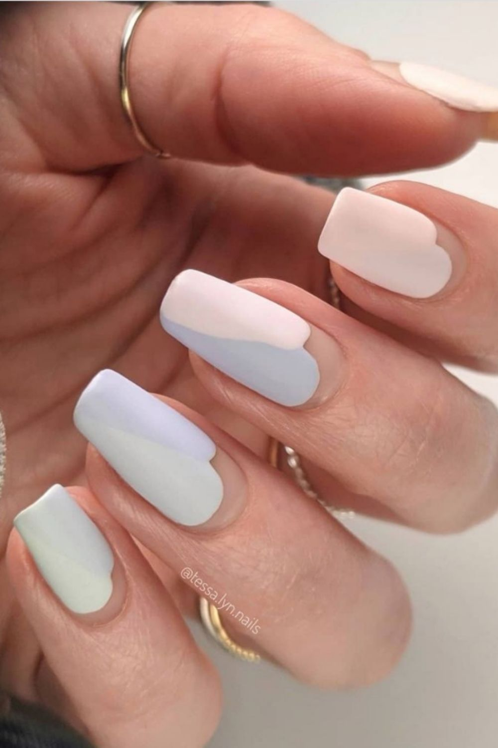 Summer short square nails   nail designs to brighten up your day