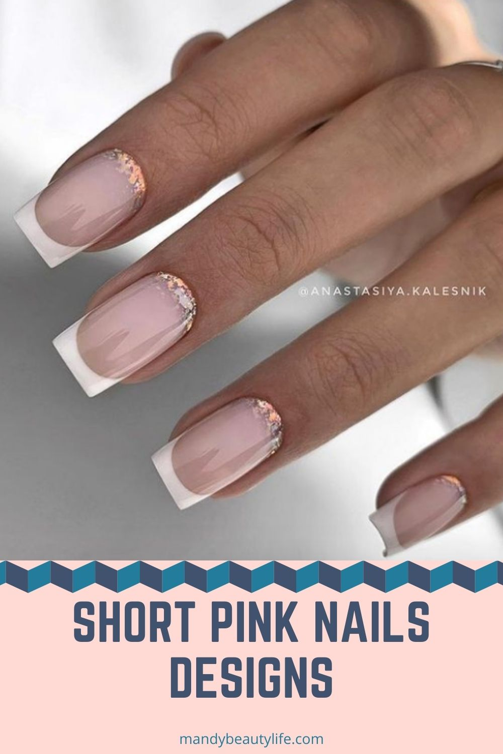 What is short pink nails aesthetic?